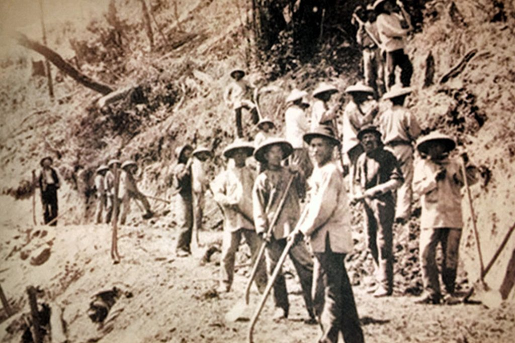 circa 1869 Chinese immigarants buliding the transcontinental railroad in California